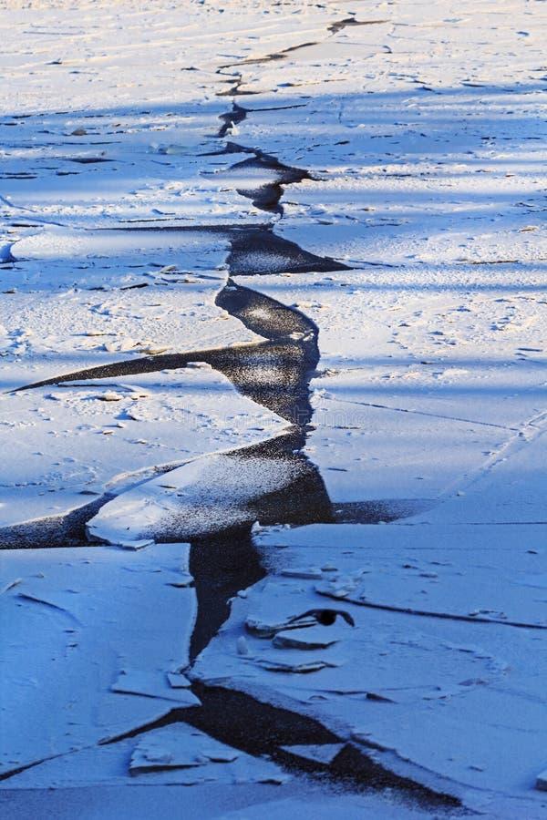 Crepa geometrica della squadra in ghiaccio fotografia stock