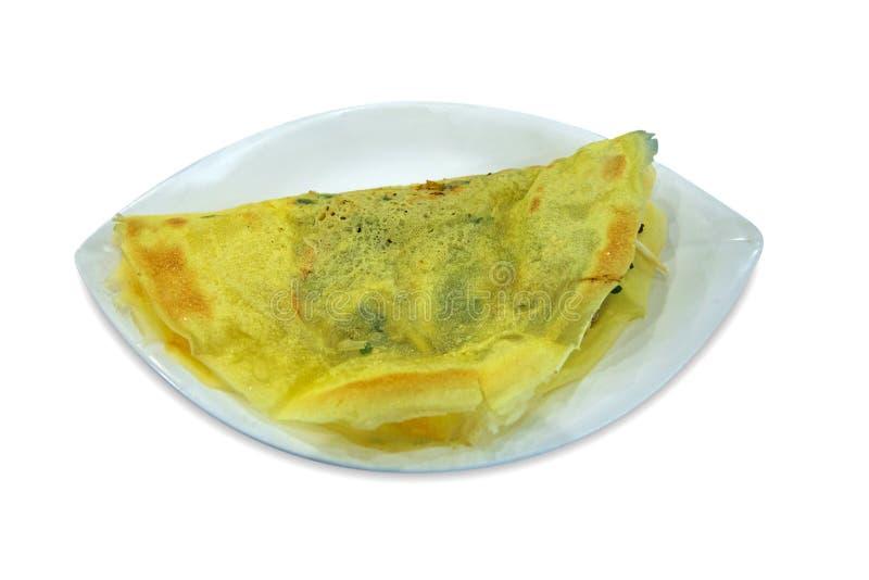 Crepe curruscante rellena vietnamita cortada con tintas, blanco de la tortilla aislado imagenes de archivo