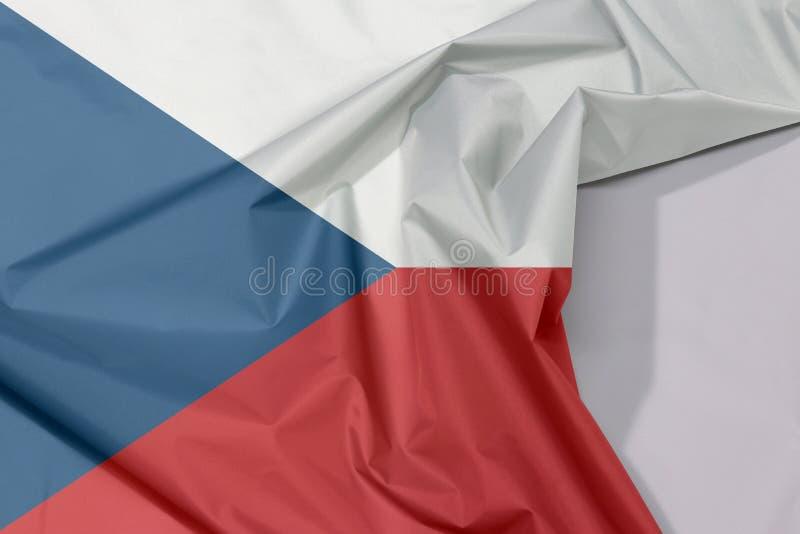 Crepe e vinco da bandeira da tela de República Checa com espaço branco foto de stock royalty free