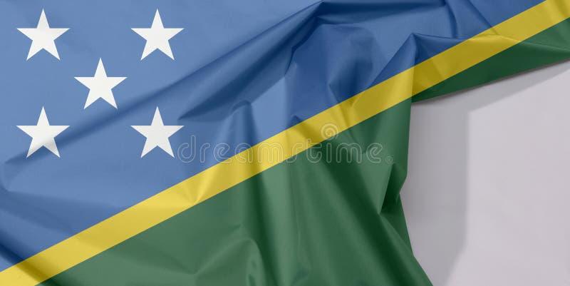 Crepe e vinco da bandeira da tela de Solomon Islands com espaço branco foto de stock