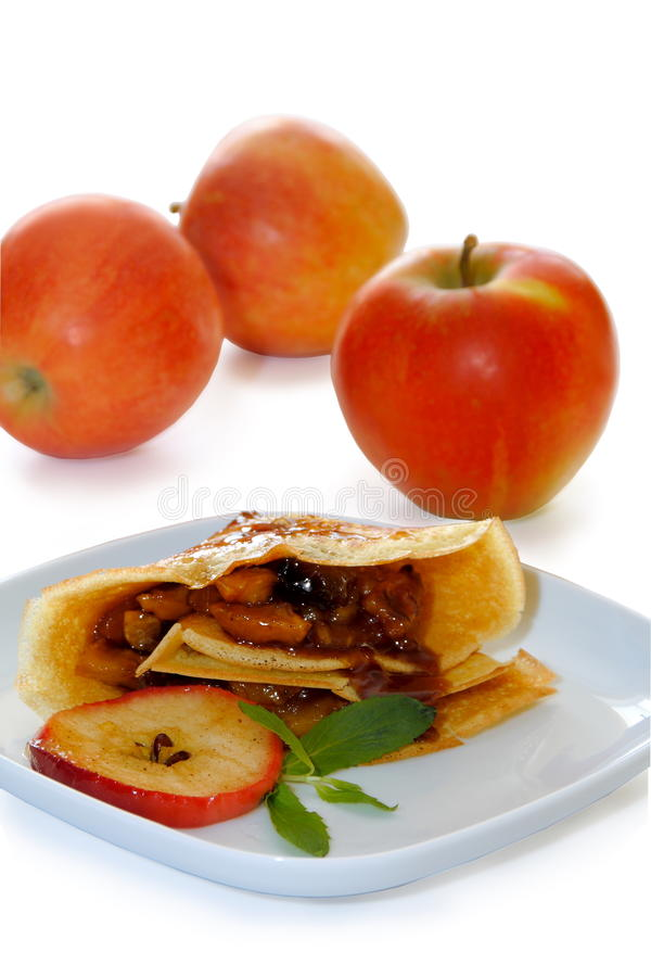 Crepes com Caramellized Apple. imagens de stock royalty free