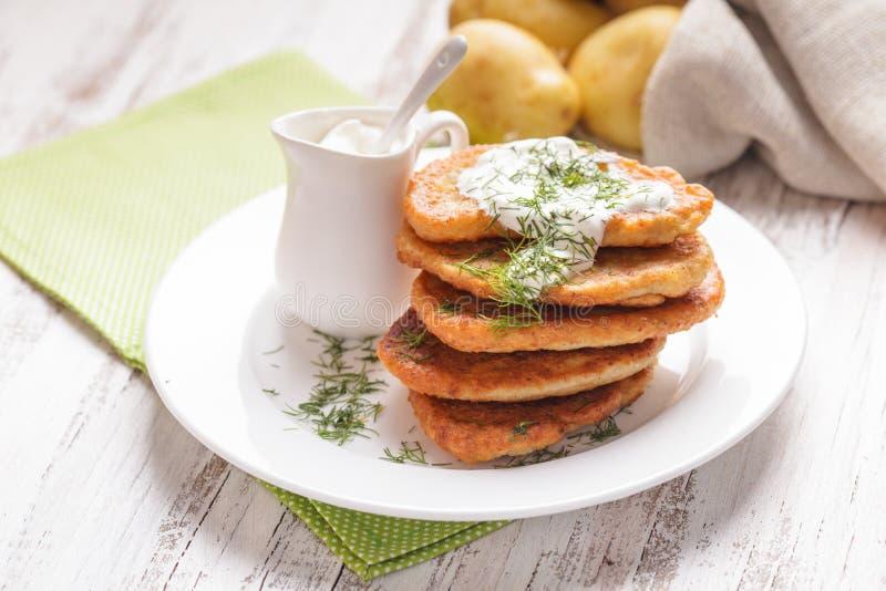 Download Crepes de patata foto de archivo. Imagen de comida, alemán - 41921822