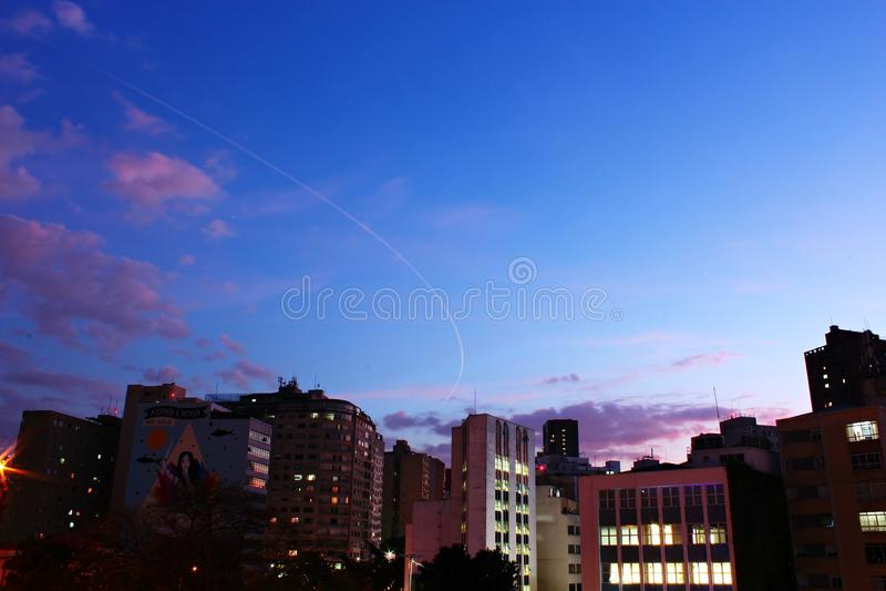 Crepuscolo nella città di São Paulo fotografia stock