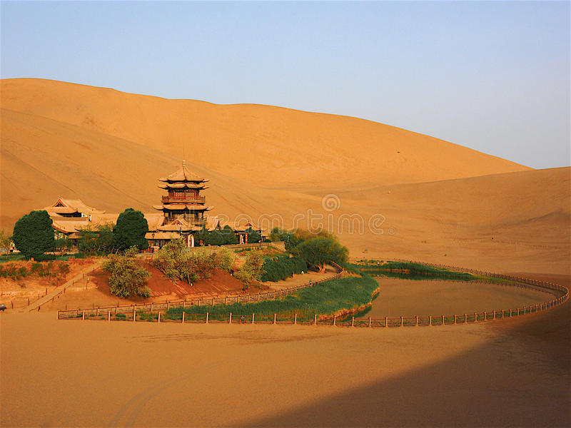 Crescent Moon Spring, Dunhuang, Gansu, Chine photos stock