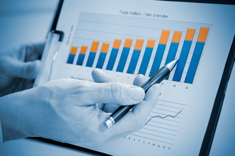 Crescimento e informe anual bem sucedido fotos de stock