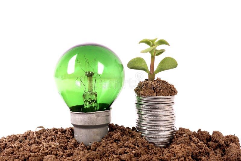 Crescimento verde da energia e da economia fotografia de stock