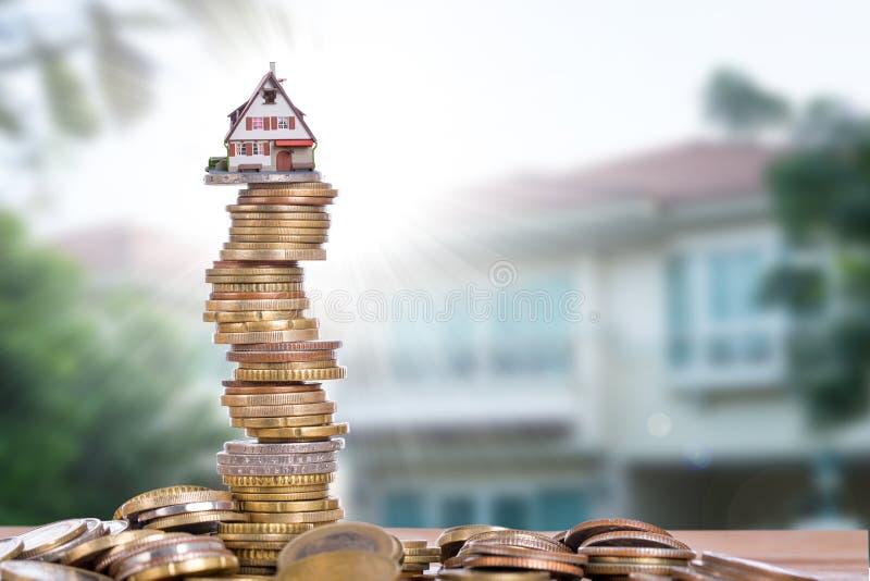 Crescita del bene immobile sul prezzo per l'investimento fotografia stock