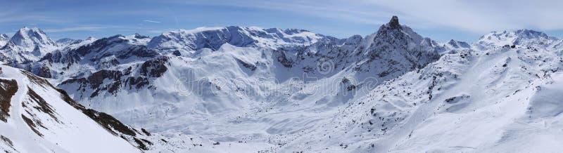 Cresta della montagna in alpi immagini stock