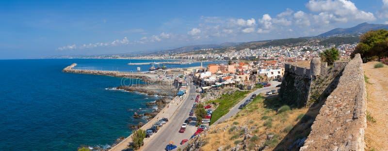 Creta Grécia do panorama da arquitetura da cidade de Rethymno imagem de stock