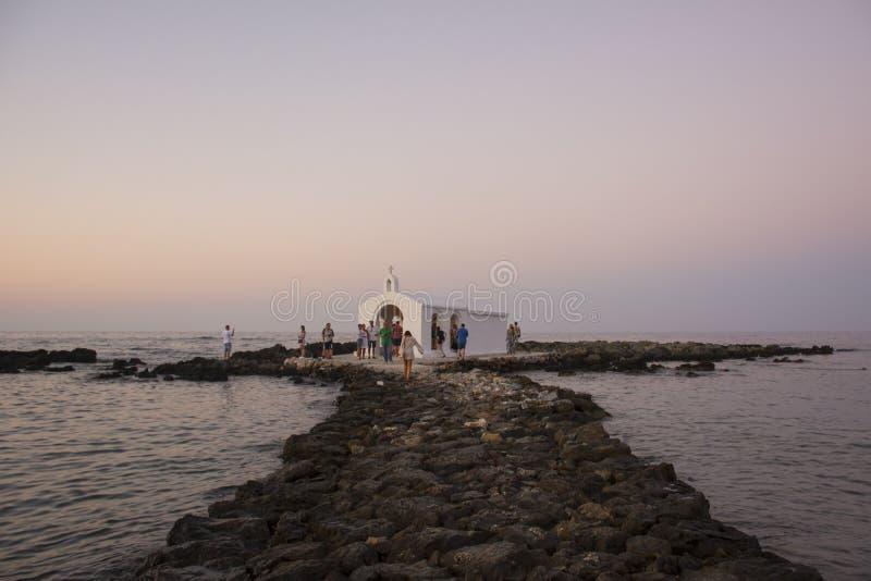 CRETE GRECJA, SIERPIEŃ, - 10, 2018: Crete punkt zwrotny Agios Nikolaos Nicholas Świątobliwy kościół, Georgioupoli w Crete, Grecja zdjęcie royalty free