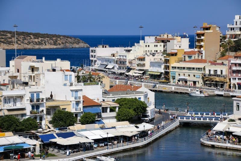 crete Grekland agios nikolaos panorama Sjö Voulismeni arkivfoto