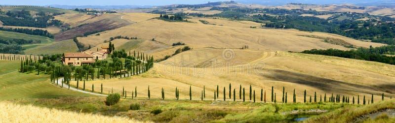 Download Crete Senesi Tuscany, Włochy (,) Zdjęcie Stock - Obraz złożonej z nikt, wieś: 53788026