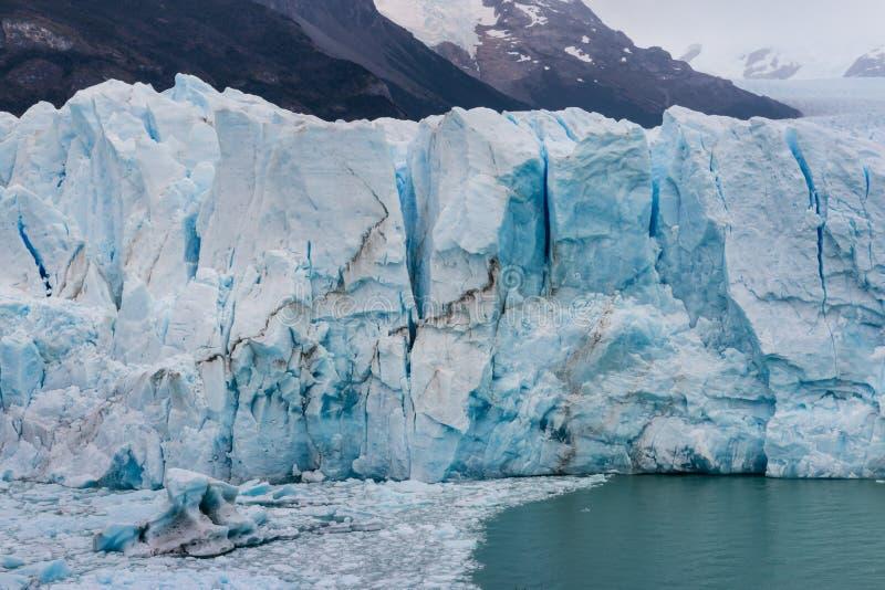 Crevasses w Perito Moreno lodowu zdjęcie royalty free