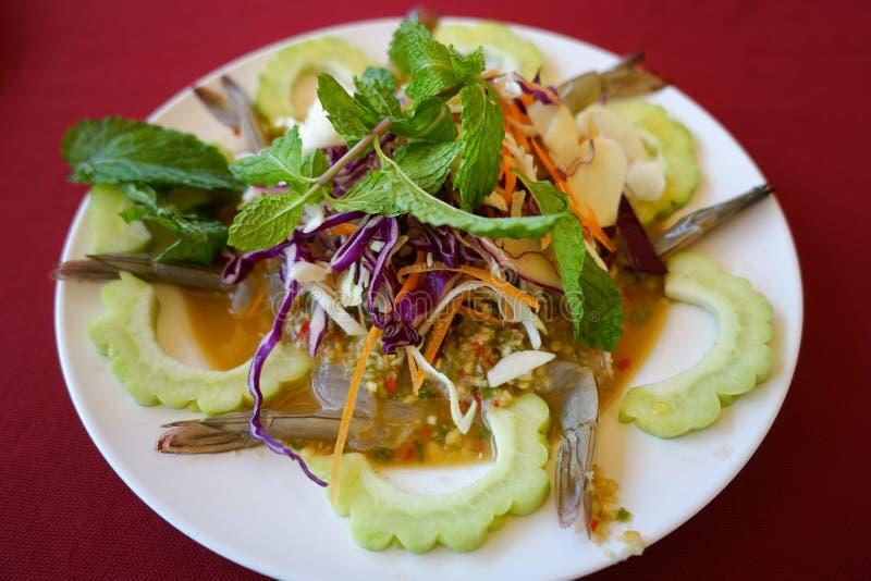 Crevette crue et sauce épicée, fruits de mer Thaïlande photographie stock libre de droits