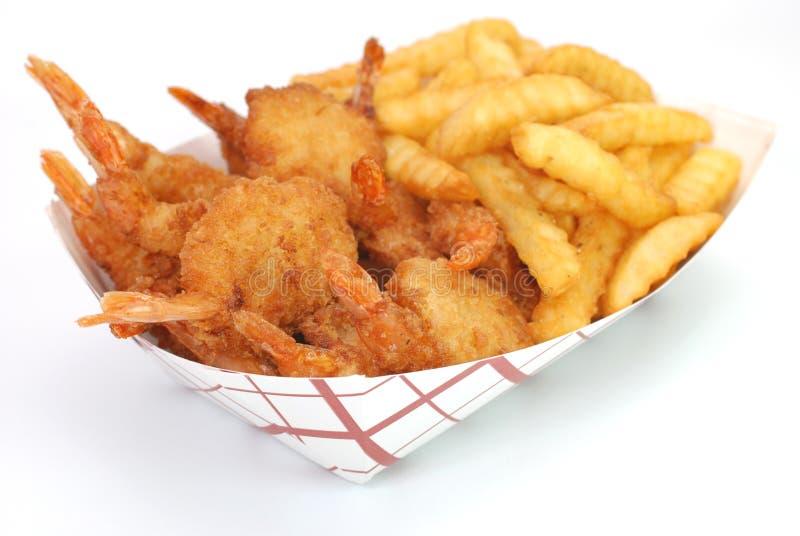 Crevette et pommes frites frites image libre de droits