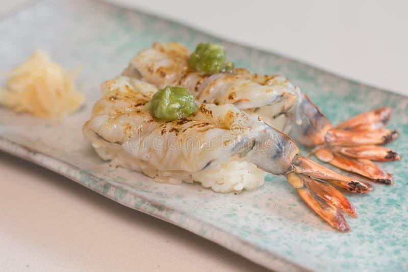 Crevette rose de sushi photographie stock libre de droits