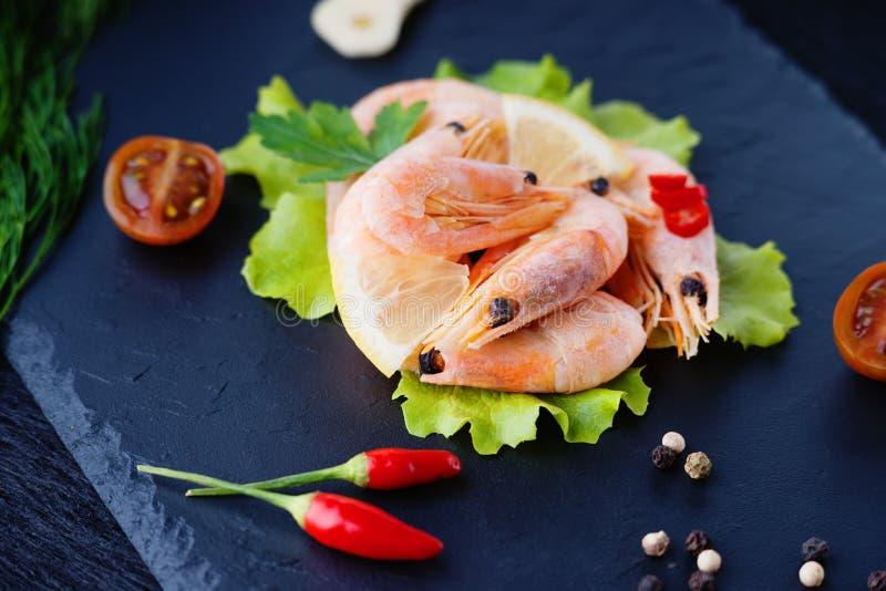 Crevettes et légumes photos libres de droits