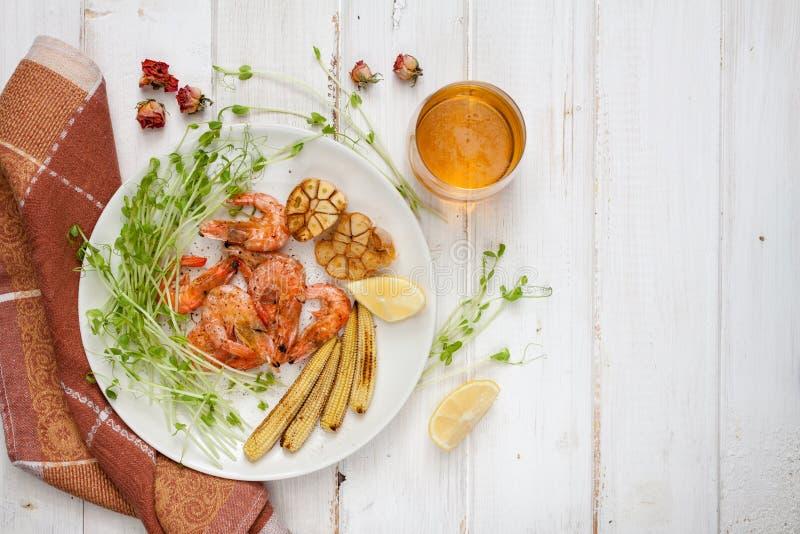 Crevettes, maïs et ail Toasty images libres de droits