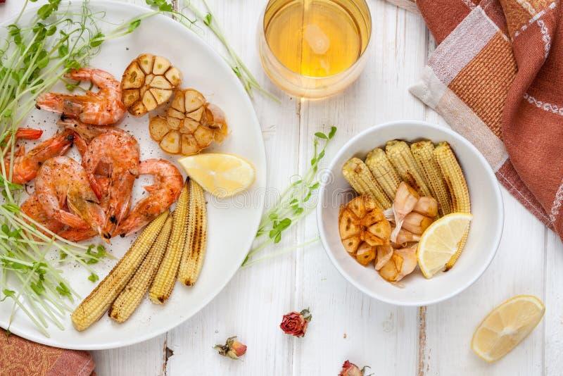 Crevettes, maïs et ail Toasty images stock