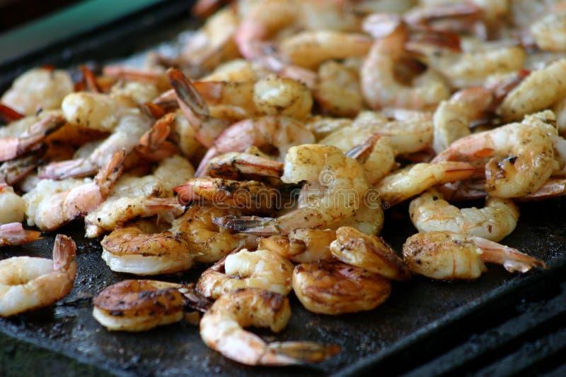 Crevettes roses de BBQ/crevette images libres de droits