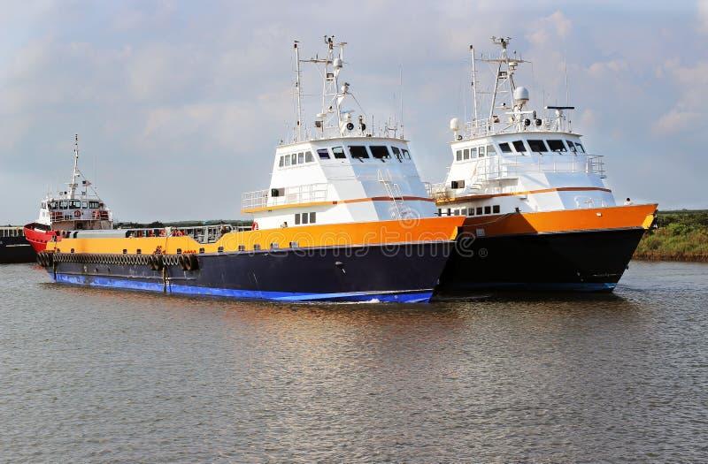 Crewboat costero imagen de archivo