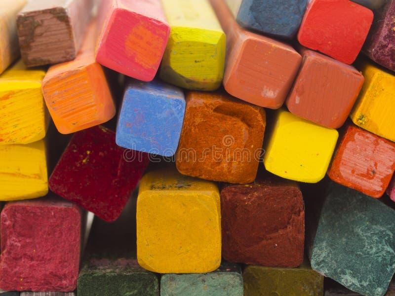 Creyones artísticos coloridos fotografía de archivo