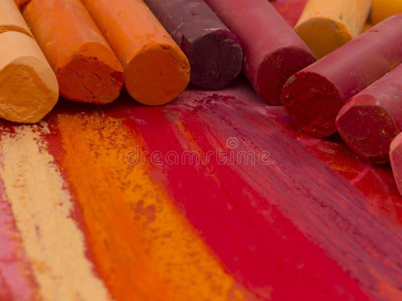 Creyones artísticos coloridos foto de archivo libre de regalías