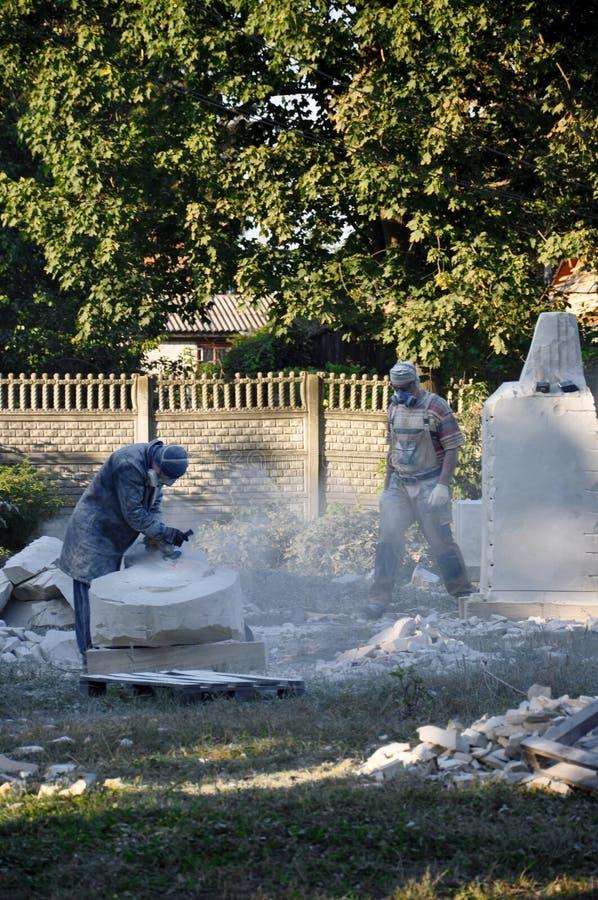 Criação dos monumentos escultores que criam esculturas fotos de stock royalty free