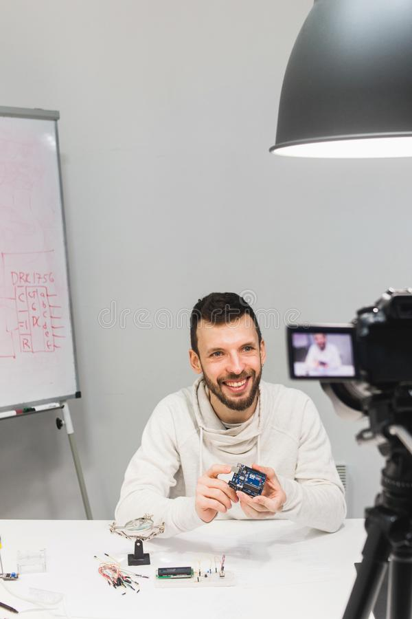 Criação tutorial video que filma o conceito de bastidores imagens de stock royalty free