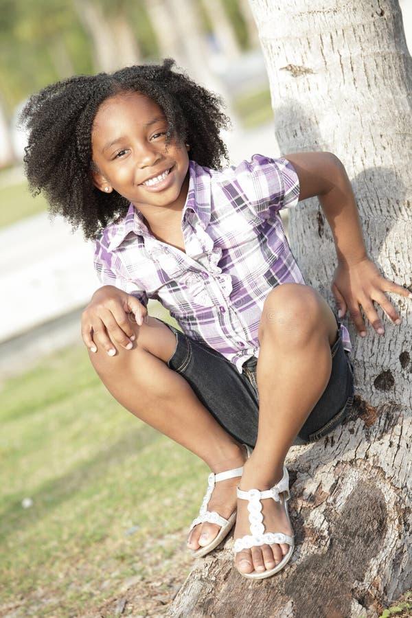 Criança bonito no parque imagem de stock