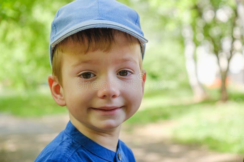 Criança da expressão do menino do grito da criança sadness fotos de stock royalty free