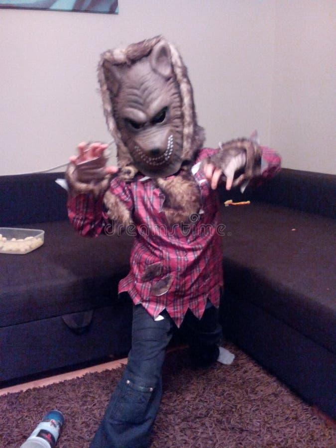 Criança de Dia das Bruxas Wolverine fotografia de stock