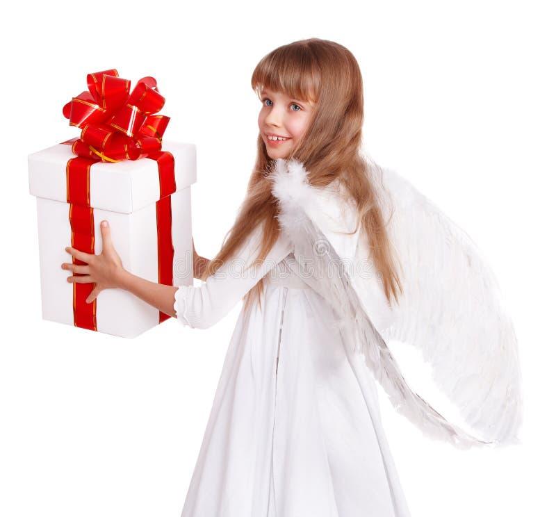 Criança do anjo com caixa de presente. imagem de stock royalty free