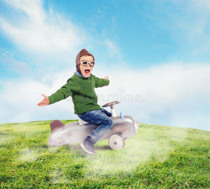 Criança do aviador foto de stock royalty free