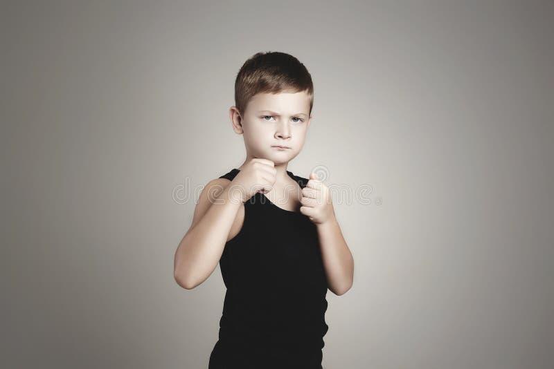 Criança do esporte criança do encaixotamento Crianças fotos de stock royalty free