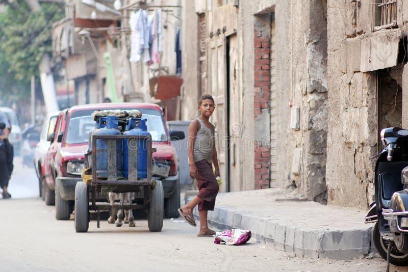 Criança egípcia que vende o gás fotos de stock
