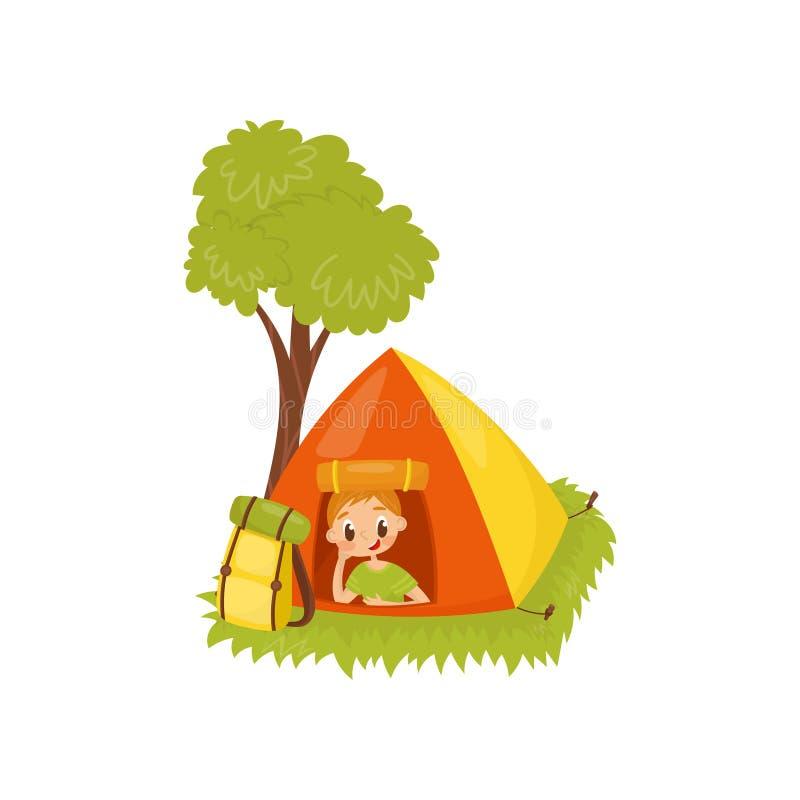 Criança engraçada que descansa na barraca de acampamento Recreação ativa do verão Atividade ao ar livre Projeto liso do vetor ilustração royalty free