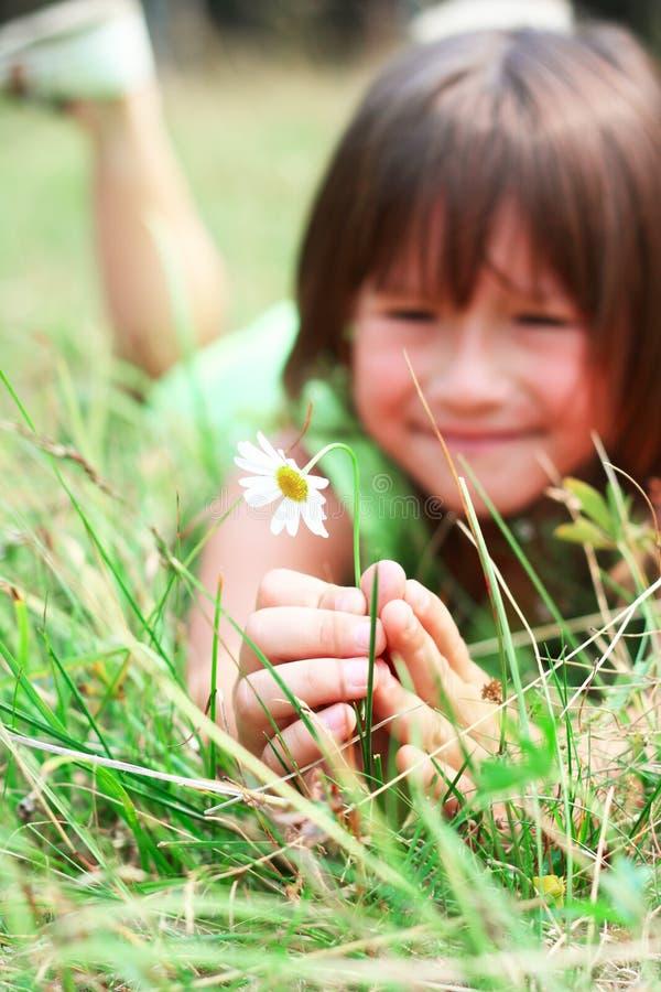 A criança está sorrindo foto de stock royalty free