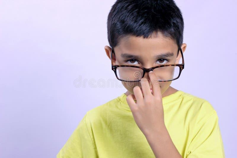 Criança indiana no monóculo imagem de stock royalty free