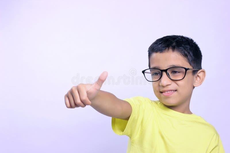 Criança indiana no monóculo imagem de stock
