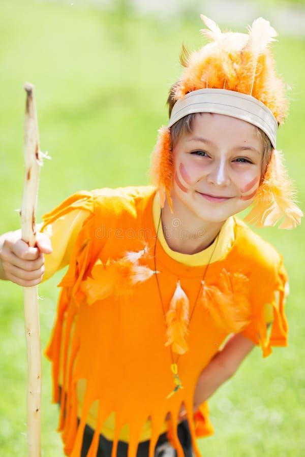 Criança no traje do indiano fotografia de stock royalty free