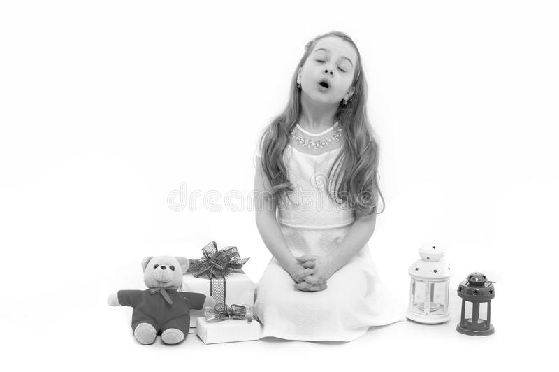 Criança ou criança com o bloco atual isolado no branco imagens de stock