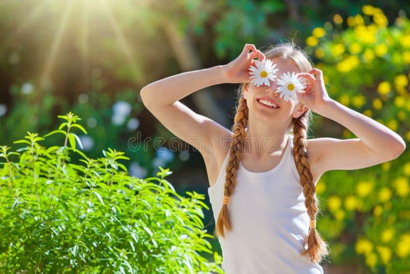 Criança ou criança feliz do verão imagem de stock royalty free