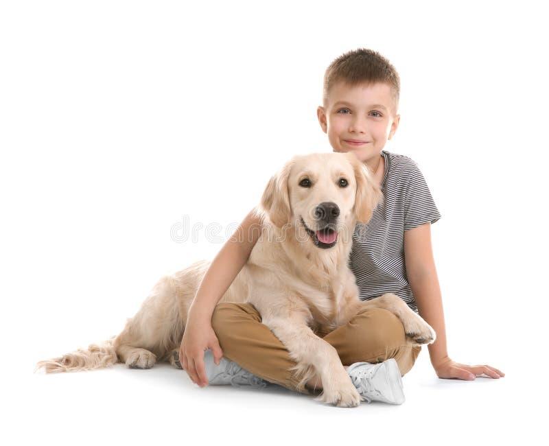 Criança pequena bonito com seu animal de estimação imagem de stock royalty free