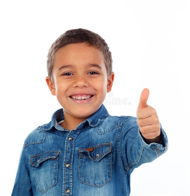 Criança pequena engraçada que diz está bem imagens de stock royalty free
