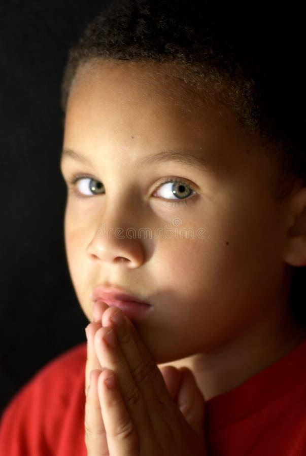 Criança Praying fotografia de stock