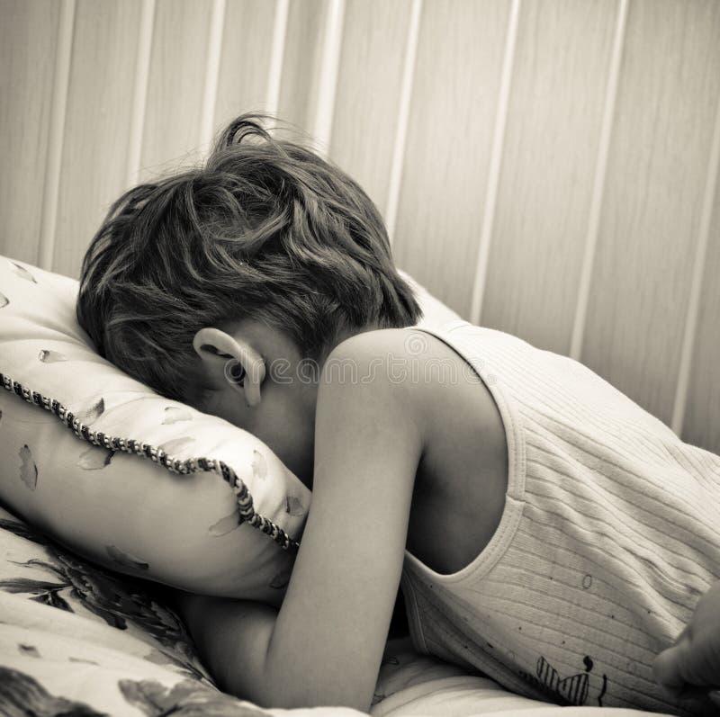 Criança Weeping imagens de stock royalty free