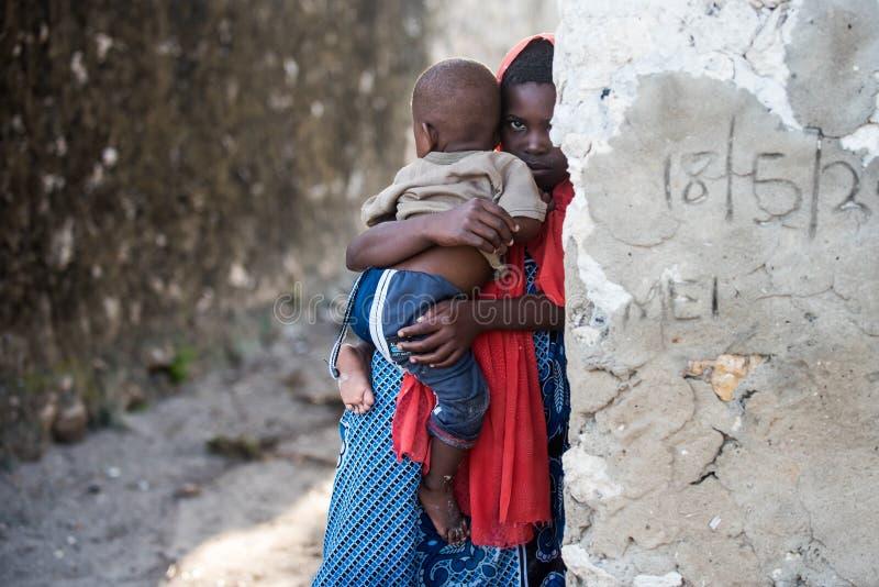 Crianças africanas na ilha de Zanzibar imagens de stock