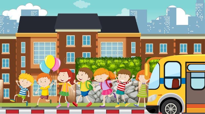 Crianças ativas que jogam na cena exterior ilustração stock