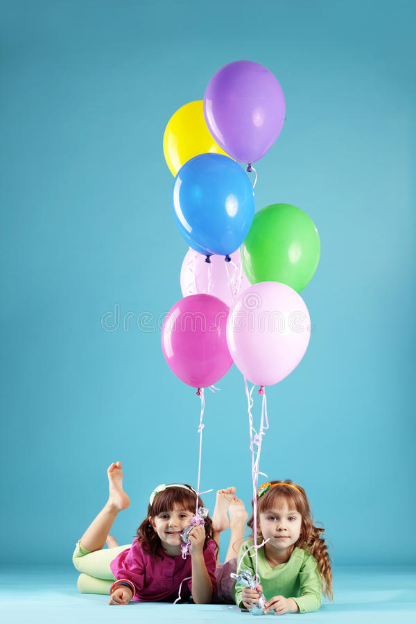 Crianças coloridas felizes fotografia de stock royalty free